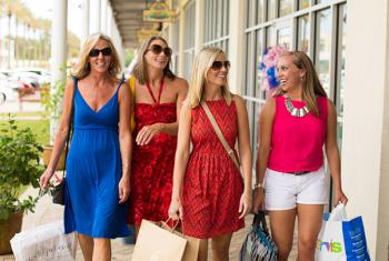 girlfriends shopping in Orange Beach, Alabama