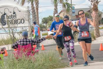 Runners in Gulf Shores Alabama
