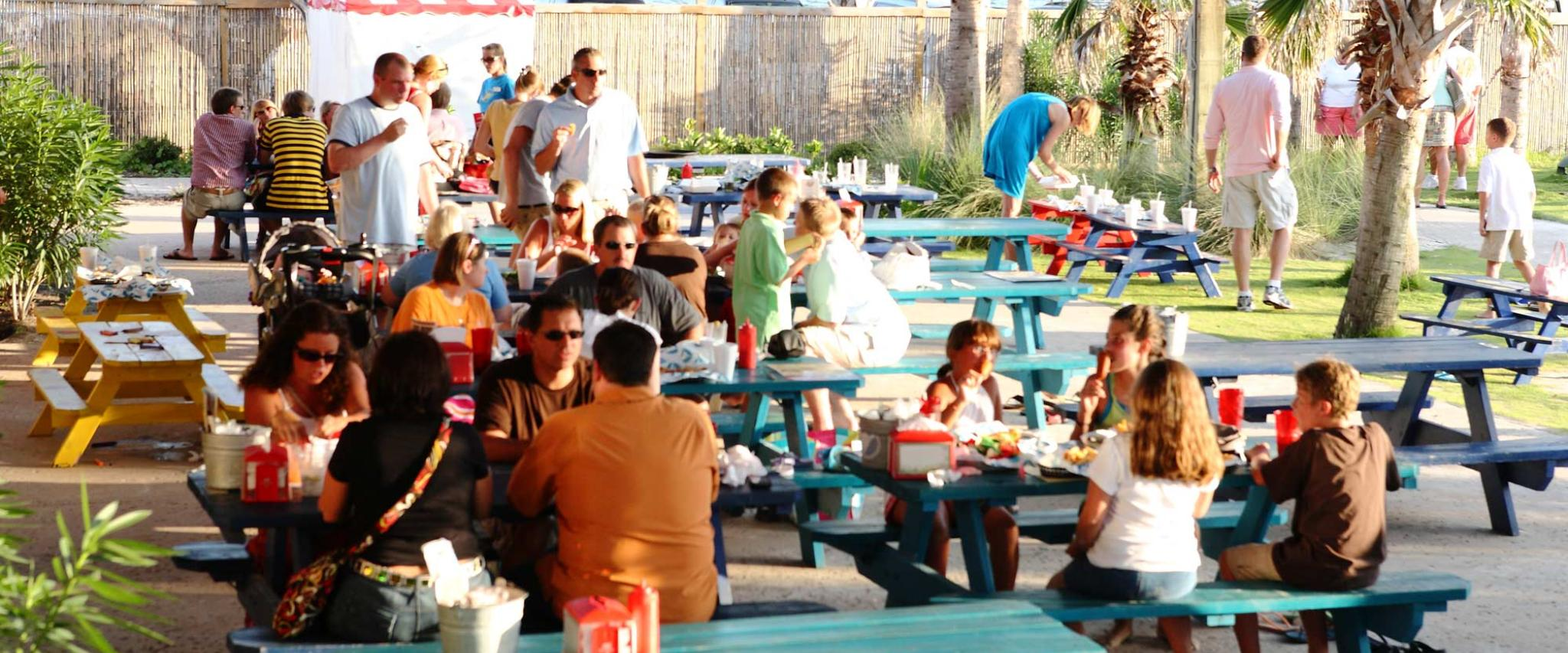 Fan Favorites Family - The Hangout Gulf Shores